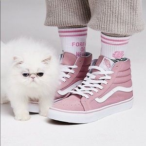 Pink sk8-Hi high top vans in 7.5 means //women's 9